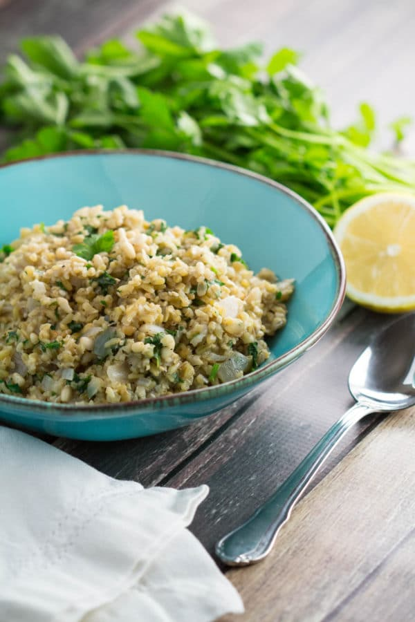 Freekeh Pilaf is a nutritious alternative to rice pilaf, full of fiber and protein! Ancient grains are making there way into 2017! |krollskorner.com