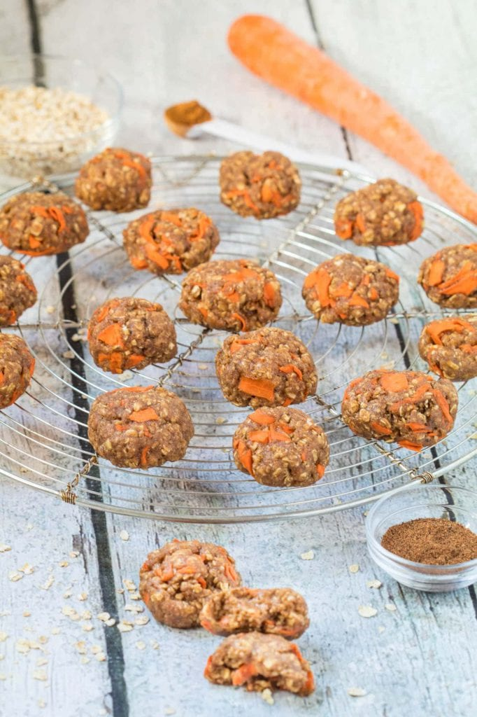 Easy and Healthy Carrot Cake Cookies for any time of year! |krollskorner.com