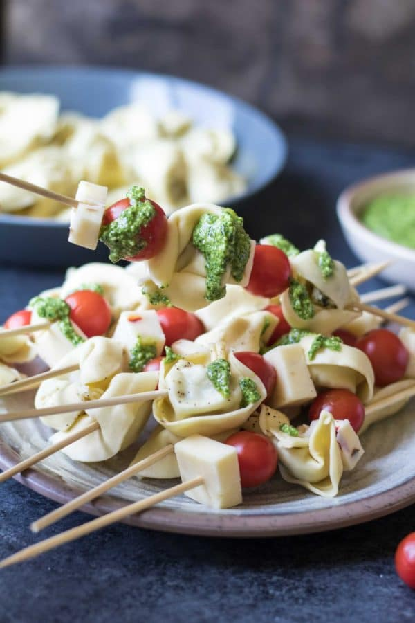 Tortellini Skewers With Lemon Spinach Pesto Kroll S Korner