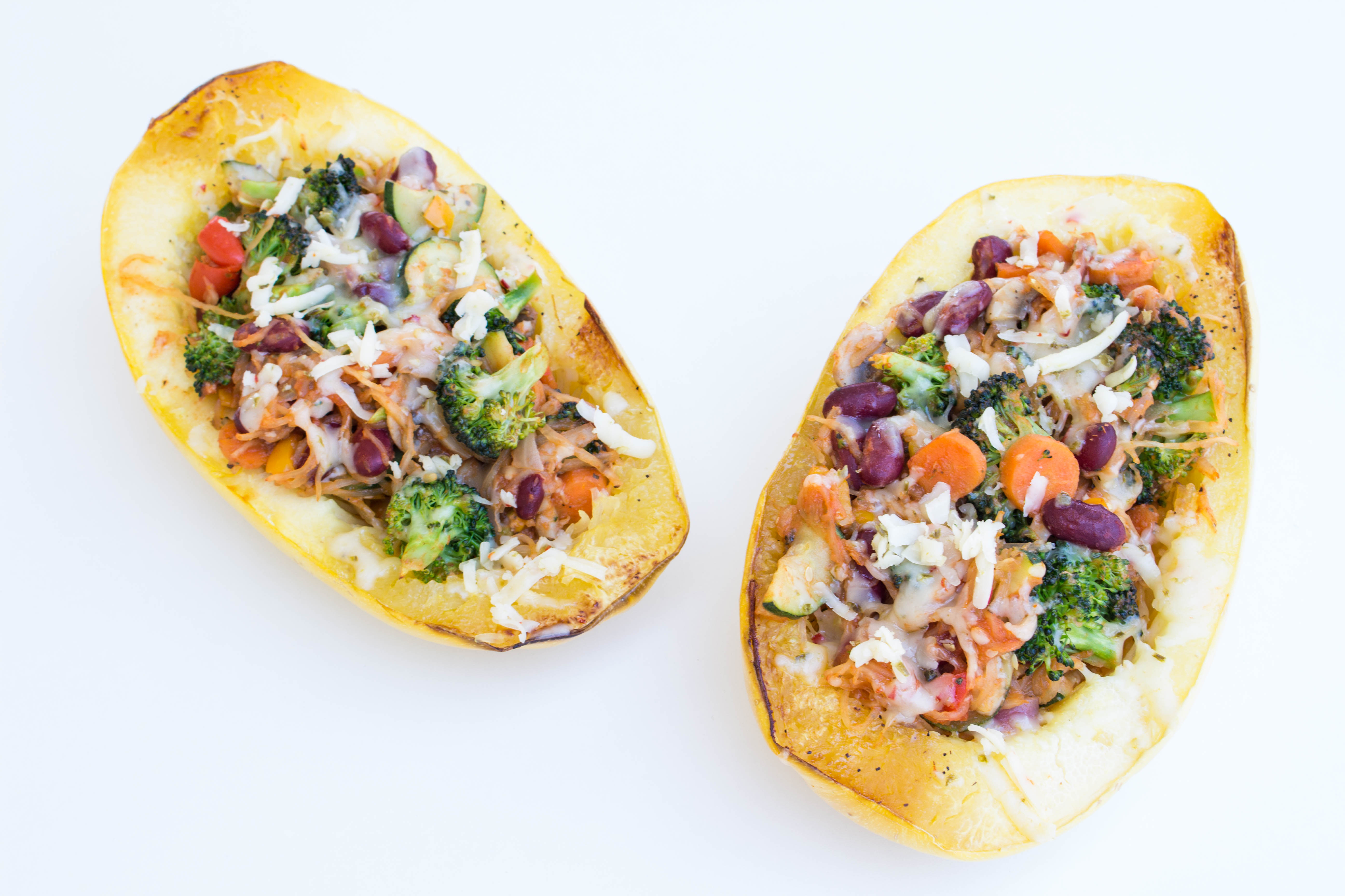 1 cup of Spaghetti Squash only has ~42 calories! Try out this colorful Spring time meal packed with nutrients! Krollskorner.com