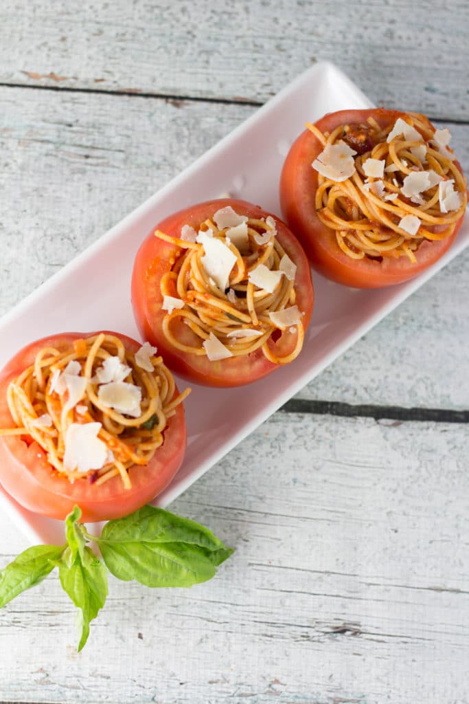 Need a new way to keep your pasta portions in check? Stuff it in a tomato! You get the satisfaction from the carbs and a fresh tomato filled with filled with antioxidants such as lycopene! |Krollskorner.com