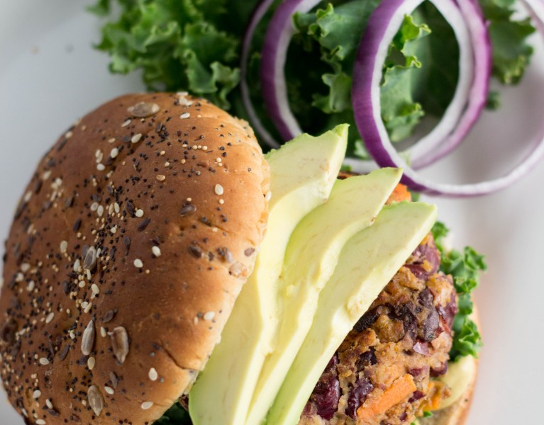 Kidney Bean Veggie Burgers...way too yummy! | Krollskorner.com