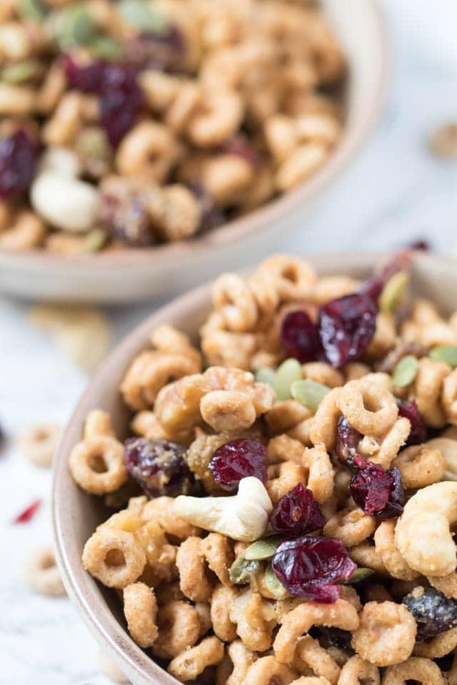 High Protein Cheerio Trail Mix - Gluten Free | Krollskorner.com