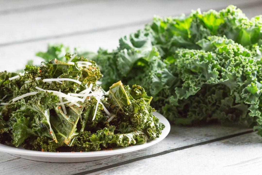 Kickin' Kale Chips! You won't be able to just eat one! |Krollskorner.com