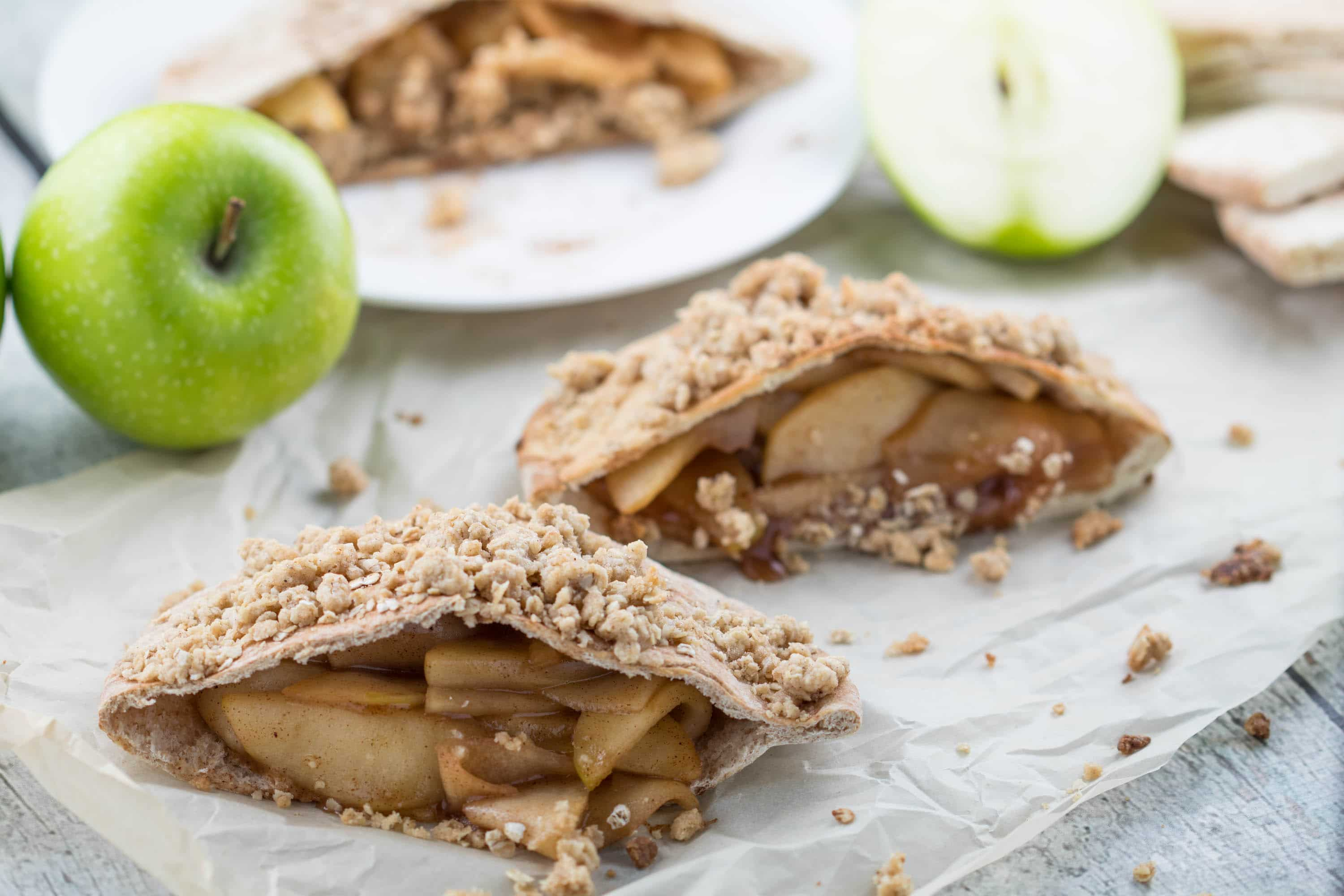#AD - Apple Pie Stuffed Pitas - a healthy and satisfying dessert! #TheRecipeRedux |krollskorner.com