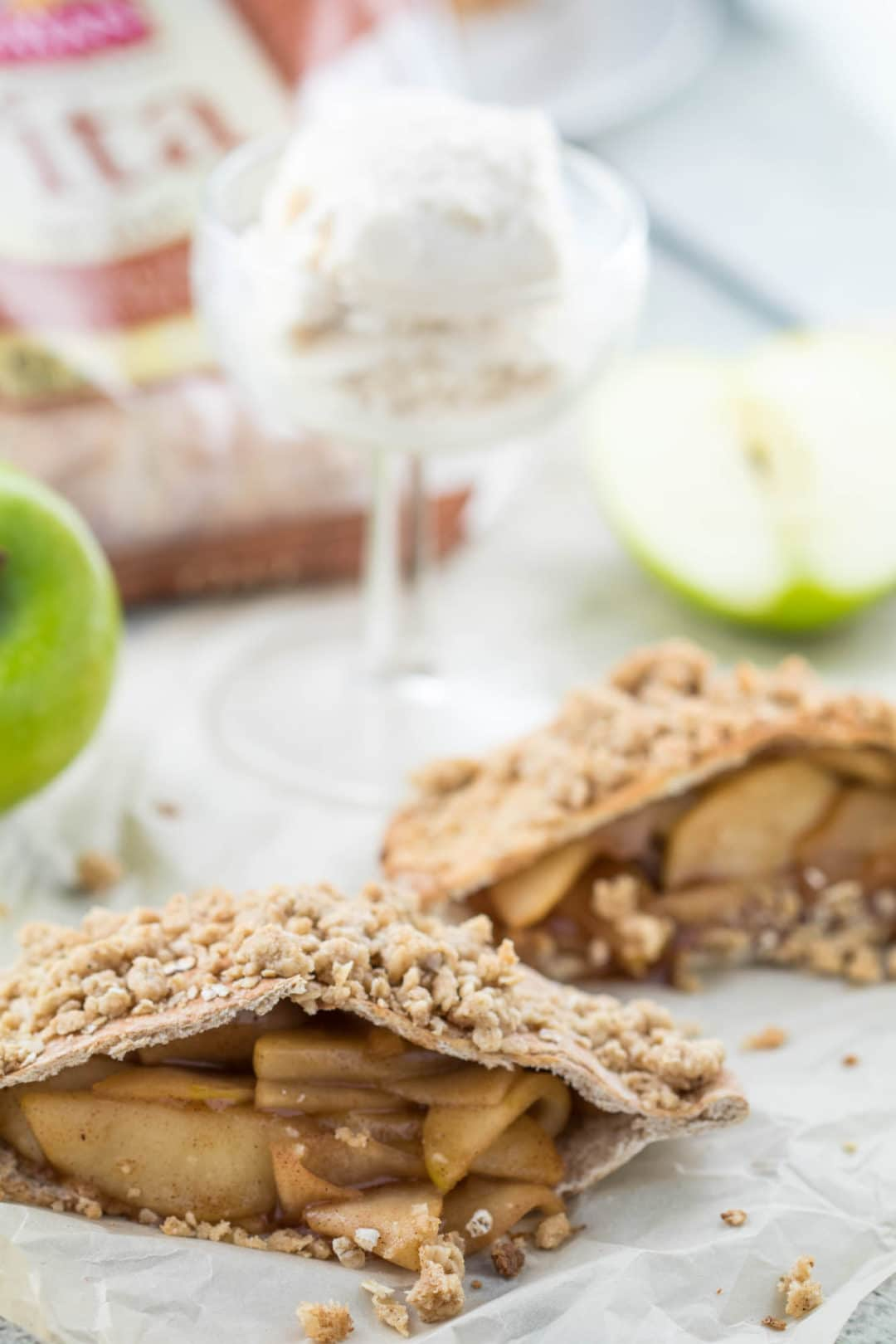 #AD - Apple Pie Stuffed Pitas - a healthy and satisfying dessert! #TheRecipeRedux |krollskorner.com