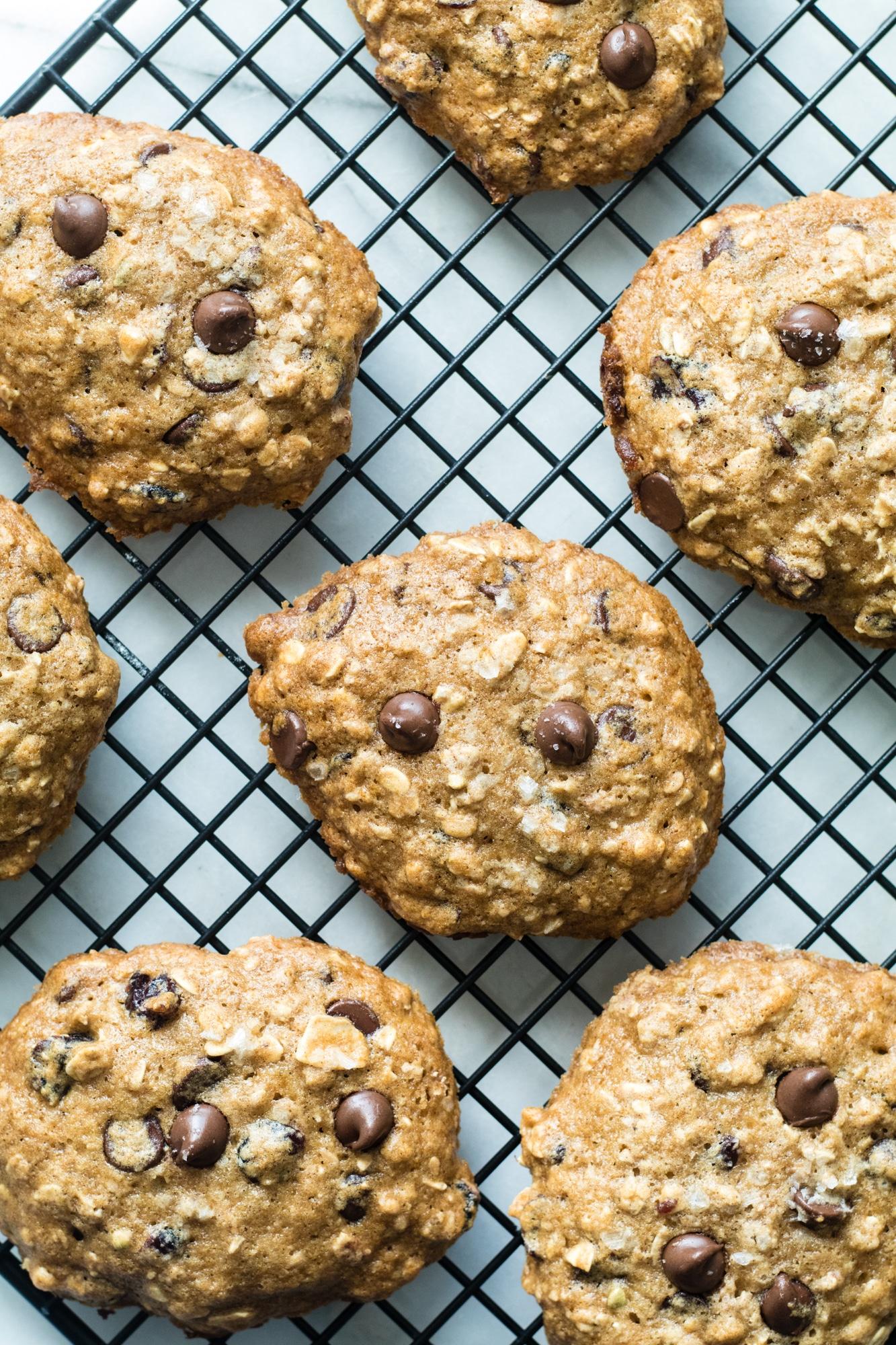 Chocolate Chip Muesli Cookies - for breakfast or for dessert, it's up to you! #cookies #chocolatechips #krollskorner #dessert