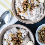 Overnights Oats have been one of the most enjoyable breakfasts for me lately. It's easy to make, convenient, healthy and super delicious. Especially when made with heart-healthy pistachios from Wonderful Pistachios! #TheRecipeRedux #Sponsored