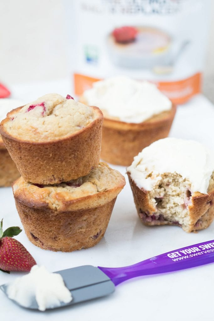 Fall in love...eeeeek I mean Swerve into love with these Skinny Strawberry Banana Morning Muffins! #Sponsored #TheRecipeRedux