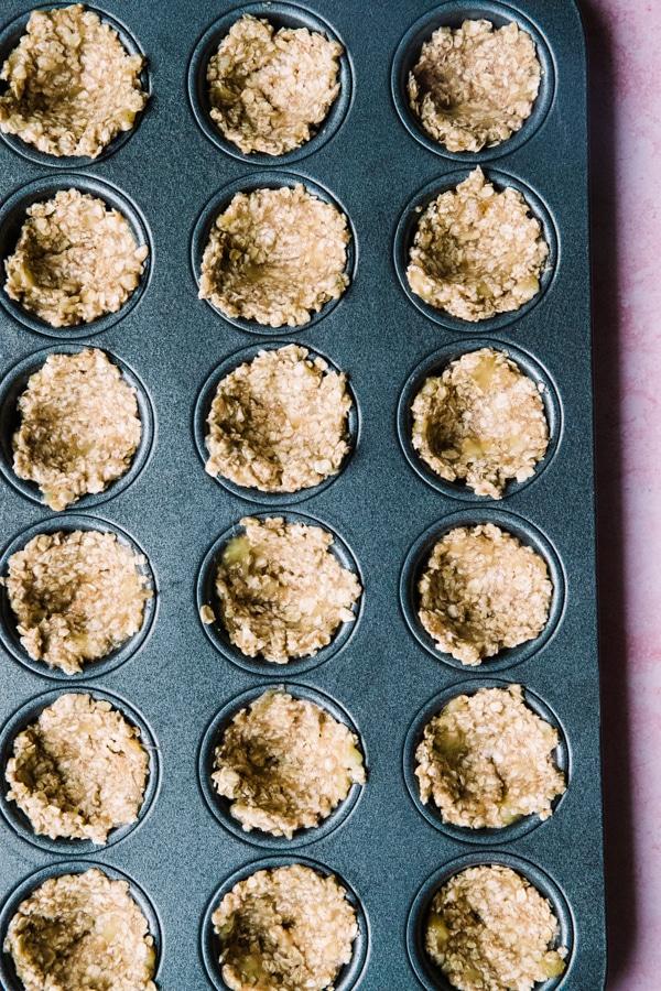 oatmeal banana cups in a mini muffin tin